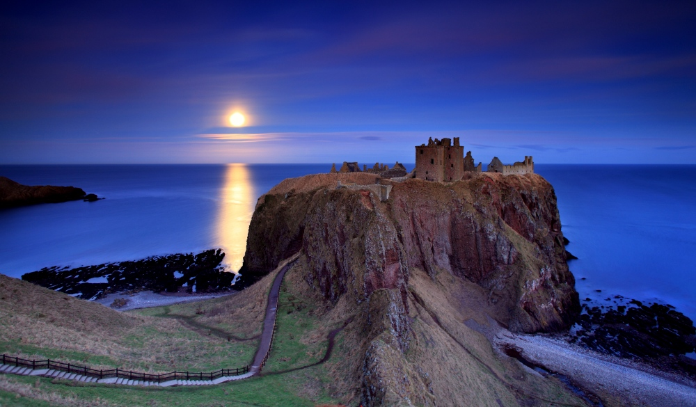 dunnottar castle aberdeenshire Scotland, scottish highlands road trip destination