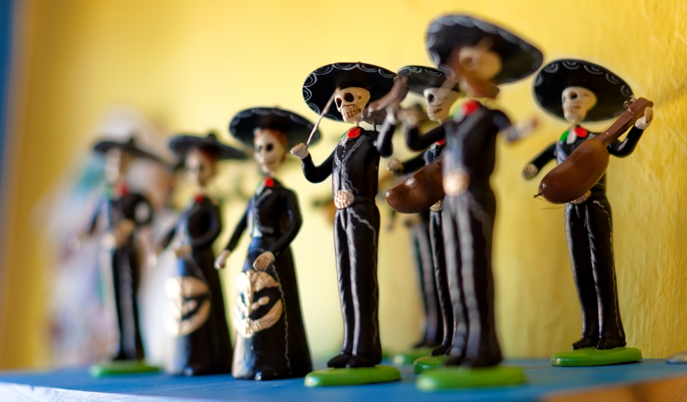 Day of the Dead statuettes