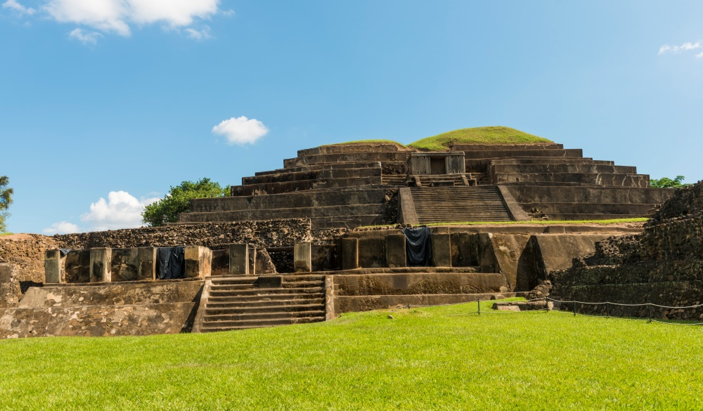 Tazumal mayan ruins in El Salvador, Mayan sites to visit