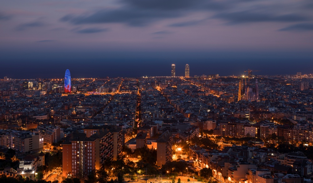 "Illuminated skyline of Barcelona during night, Bunkers del Carmel""n"
