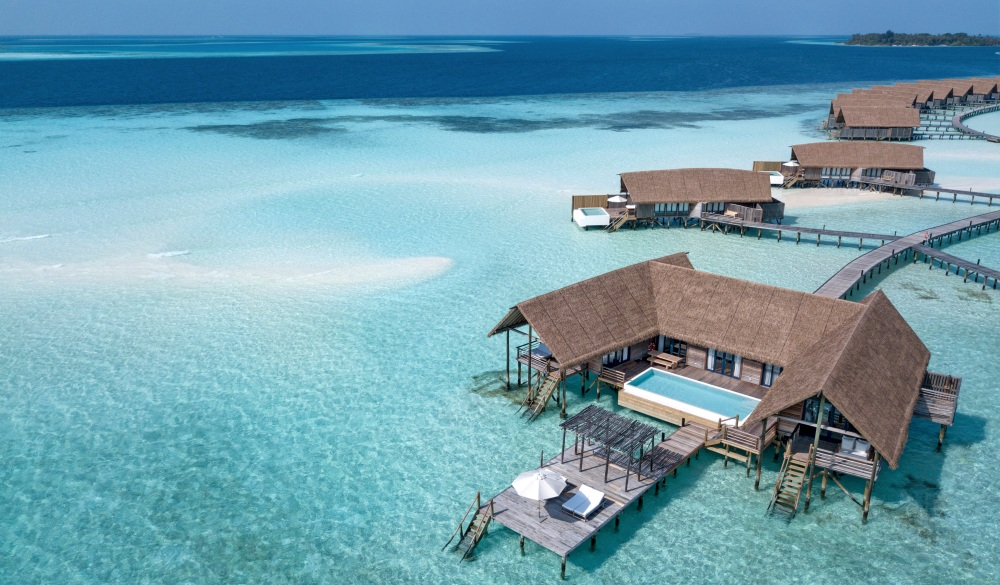 COMO Cocoa Island, Tropical Paradise VS Winter Wonderland destination
