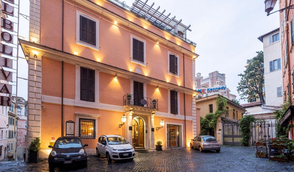 Comfort Hotel Bolivar, hotel closest to the colosseum