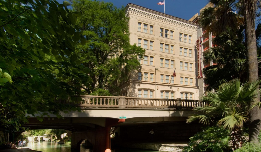 Drury Inn & Suites San Antonio Riverwalk, popular san antonio hotel