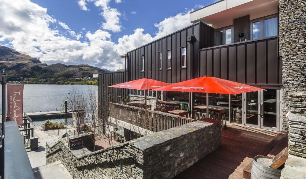 Hilton Queenstown Resort & Spa, hotel for Tropical Paradise VS Winter Wonderland destination
