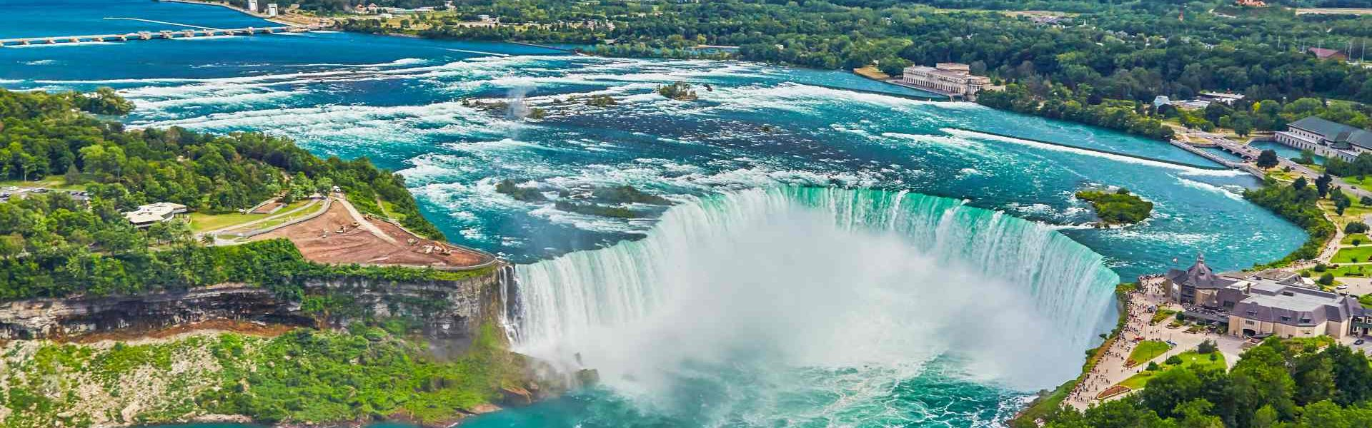 Horseshoe falls with boat,Niagara Falls